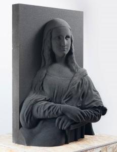 A famosa Mona Lisa de Leonardo da Vinci, recriada em uma escultura 3D fica bastante diferente, muito interessante até para quem consegue enxergar