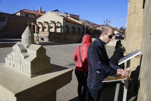 special-tourist-information-boards-written-in-braille-allow-people-with-vision-impairments-to-learn-about-historic-monuments-in-mtskheta-photo-by-the-gnta