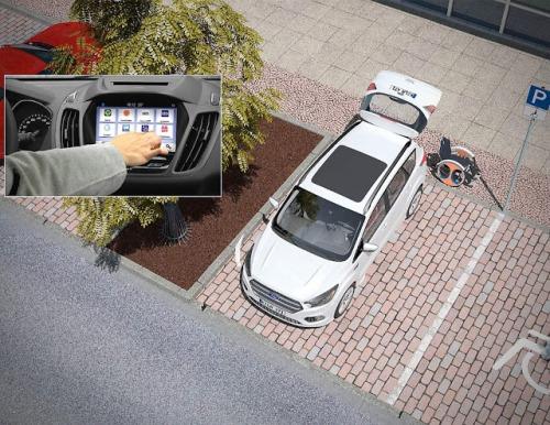una-vez-que-el-condutor-se-acomoda-en-su-asiento-pulsara-un-boton-en-su-aplicacion-ford-pass-y-la-echair-se-dirigira-a-la-parte-trasera-del-vehiculo