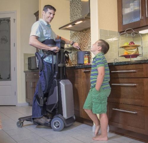o-equipamento-facilita-realizar-tarefas-que-na-posicao-sentada-seria-mais-dificeis-ou-praticamente-impossiveis-de-realizar