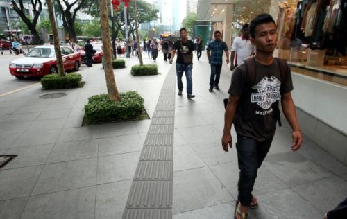 the-sidewalk-in-front-of-avenue-k-in-jalan-ampang-has-tactile-paving-for-the-visually-impaired