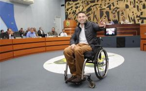 Felipe Passos, vereador de Ponta Grossa, trabalha por uma melhor acessibilidade no município